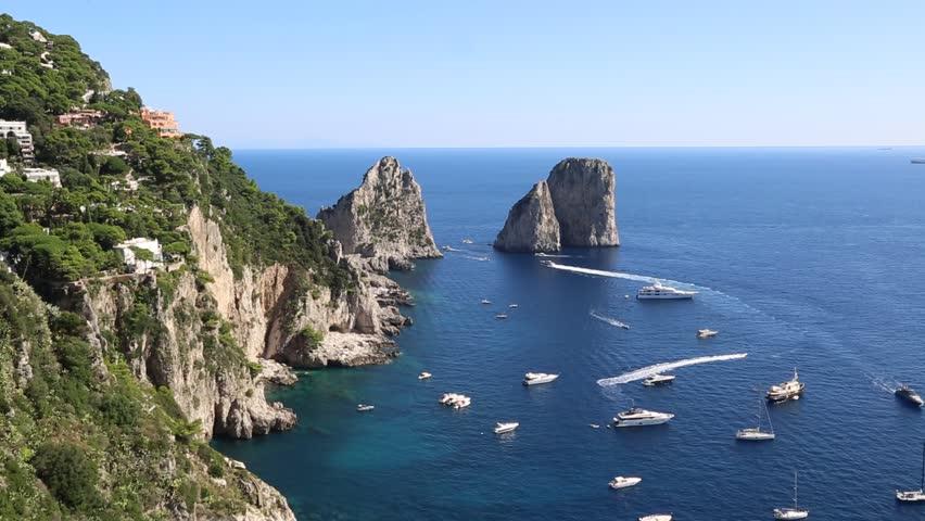 Stancile Faraglioni - insula Capri, Italia