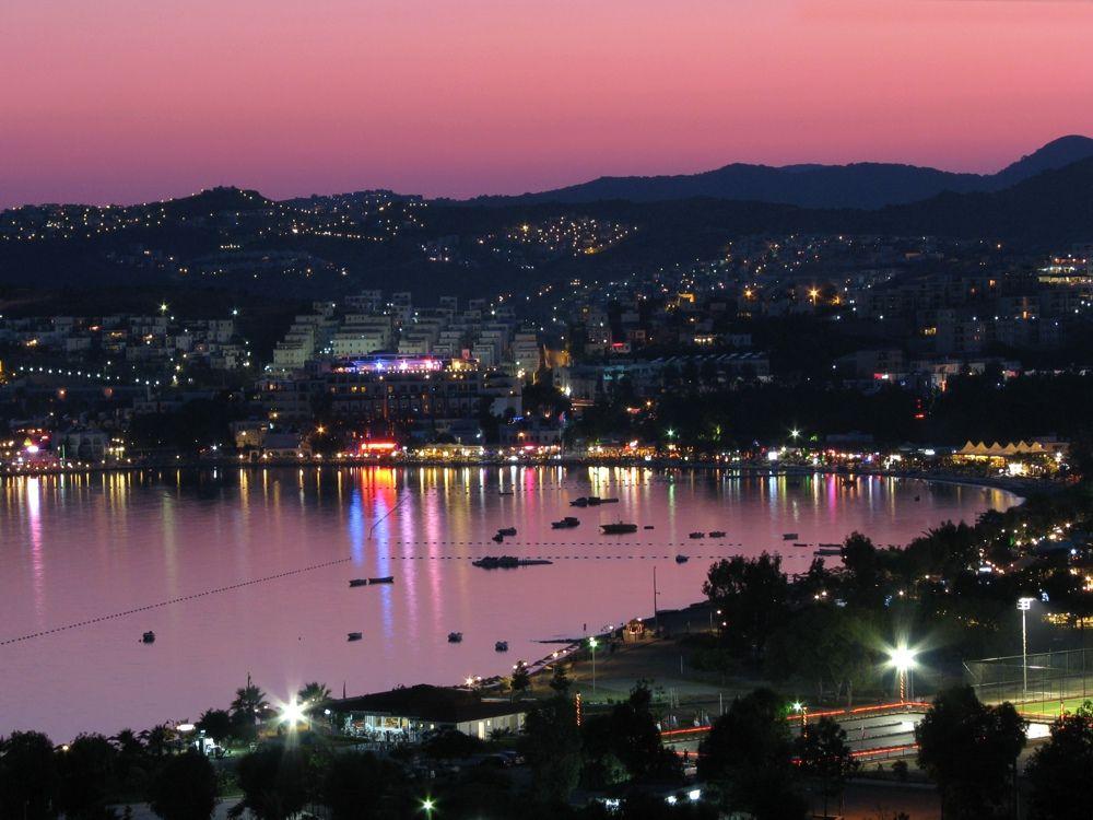 Panorama nocturna Bodrum