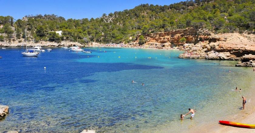 Plaja Sala Calada - Ibiza, Spania