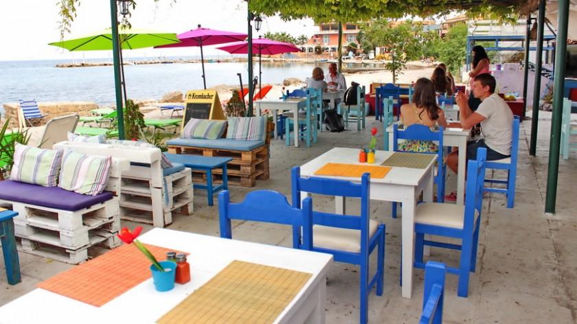 Taverna in insula Corfu