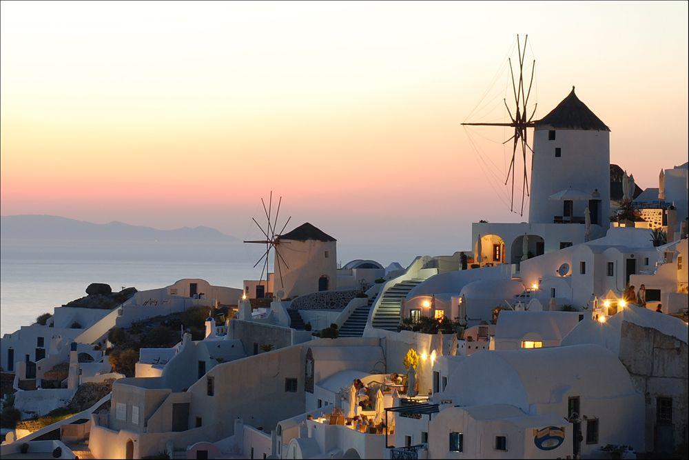 Insula Santorini - insula apusurilor romantice