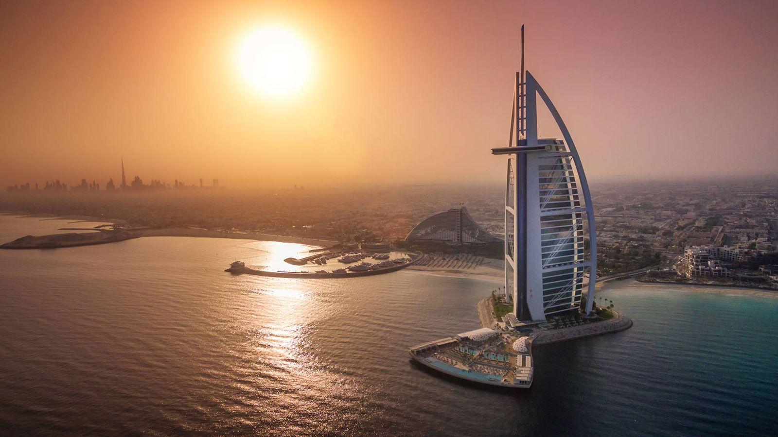 Dubai - Burj-al-Arab
