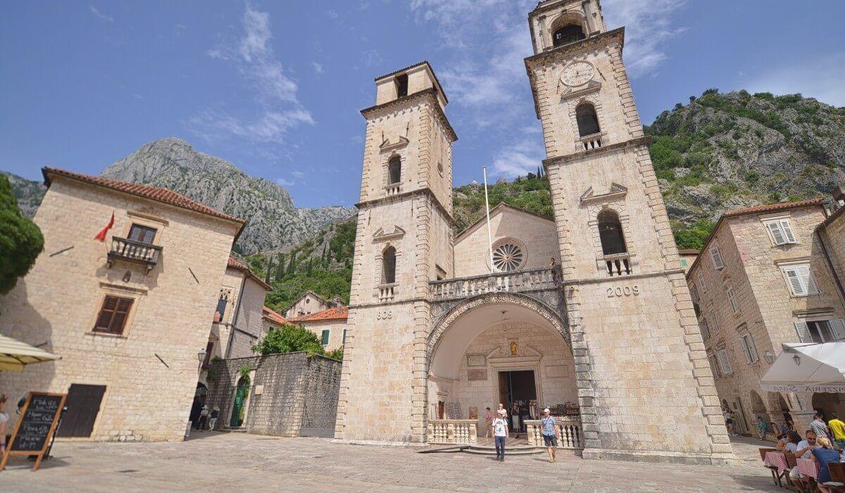 Catedrala Sf Trifon - Orasul Vechi Kotor