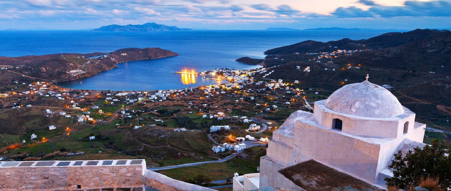 Manastirea Taxiarches - insula serifos, Grecia