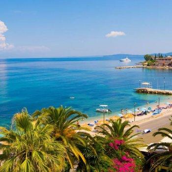Plaja din Benitses - Corfu