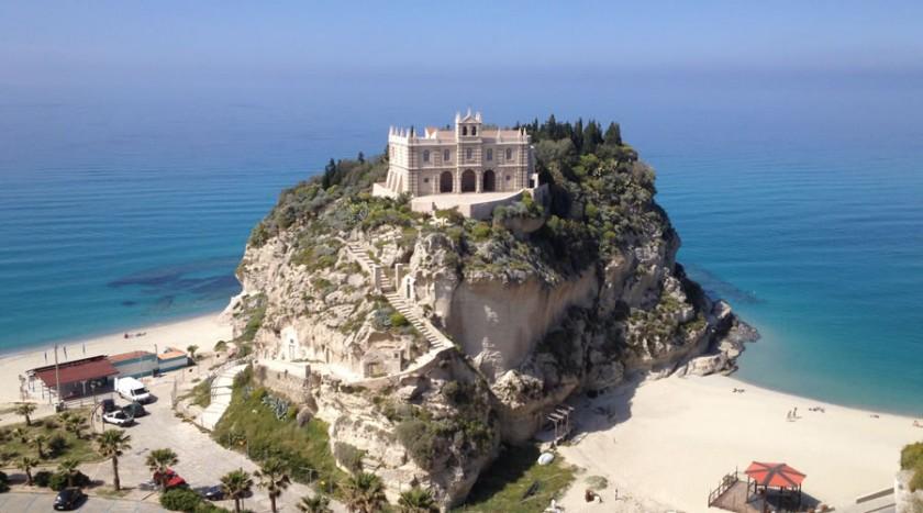 Santa Maria dell`Isola - Tropea