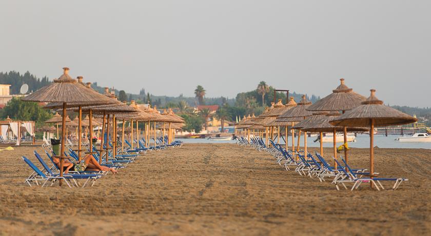 Plaja in Kavos - insula Corfu