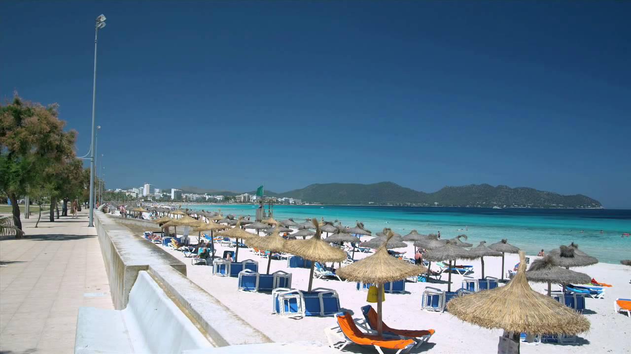 Promenada si plaja din Cala Millor