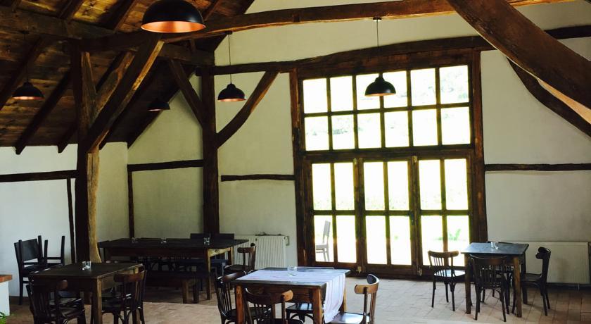 Restaurant Pensiunea Veseud 11