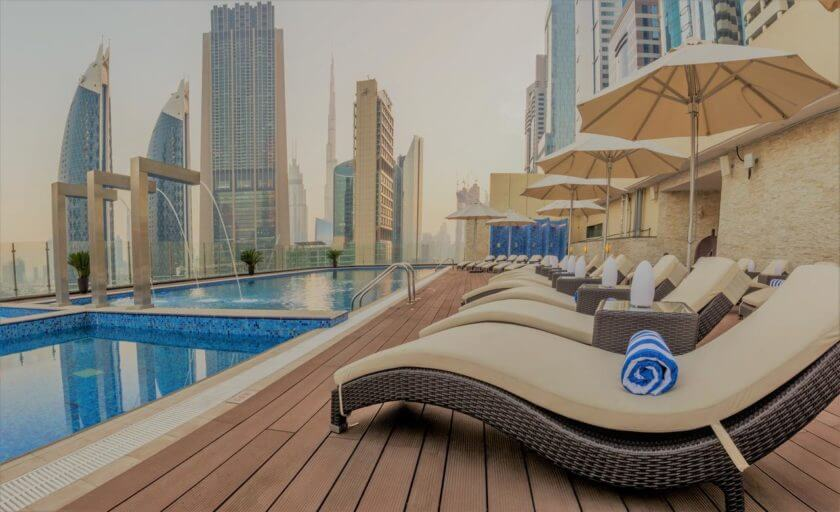 Piscina Hotel Gevora - Dubai