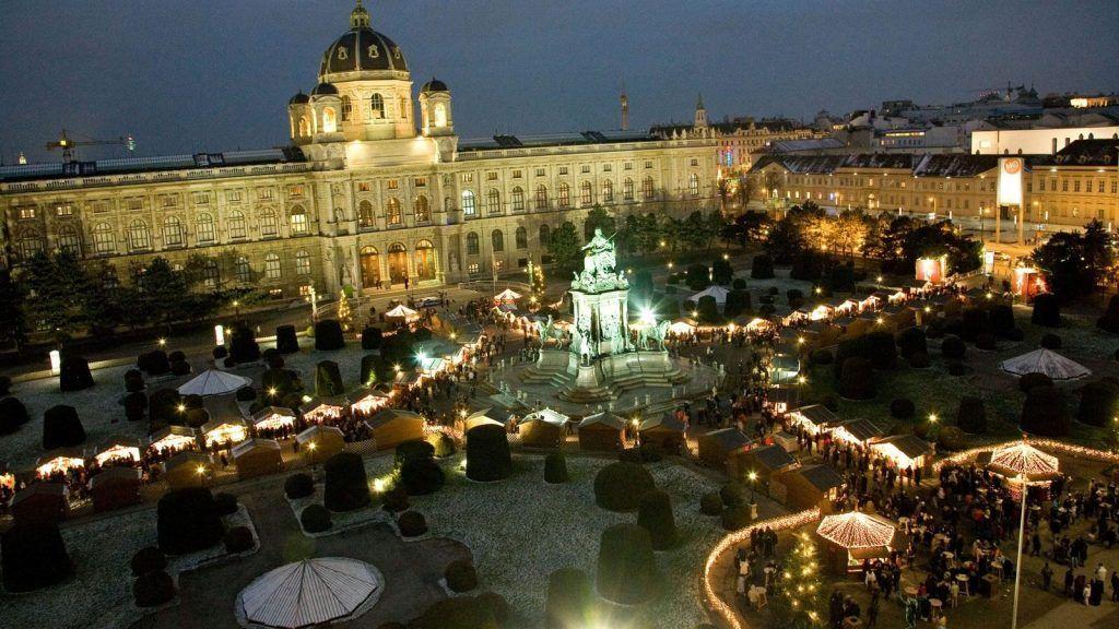 Piata de Craciun Maria-Theresien-Platz - Viena