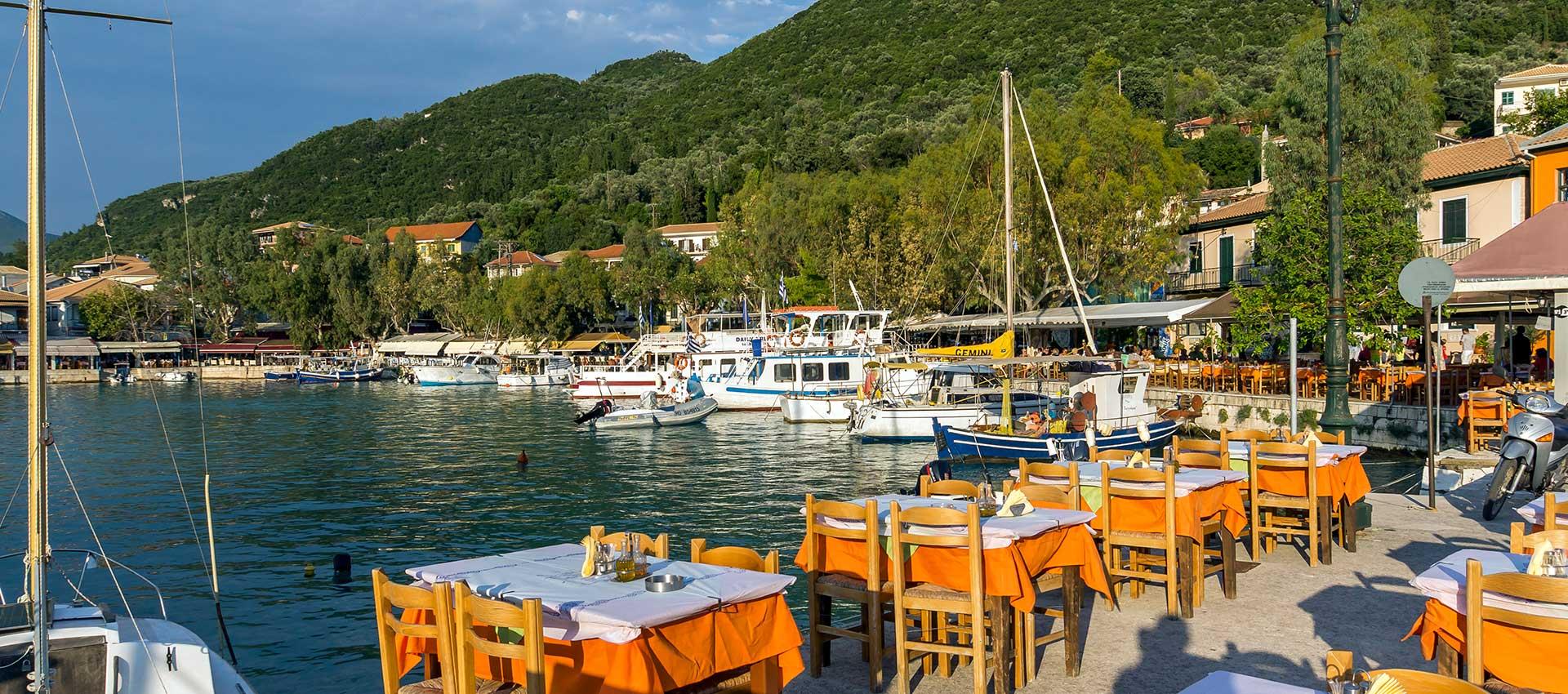 Taverne in port Vasiliki - Lefkada