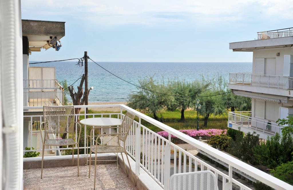 Themis 40 steps from beach - Paralia Dionisiou